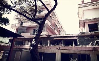 complesso turistico abbandonato