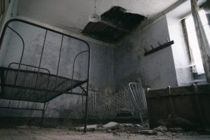 albergo abbandonato